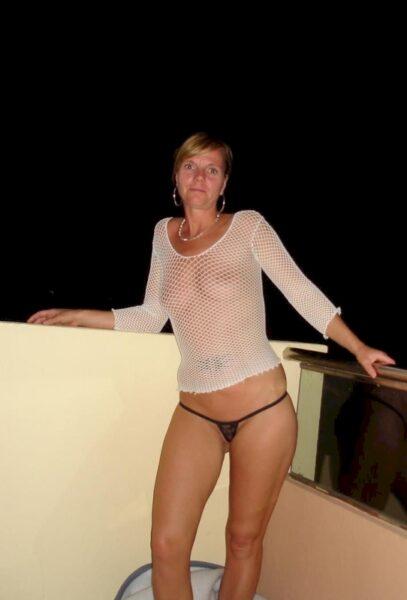 Pour jeune coquin chaud dispo qui veut une femme mature coquine